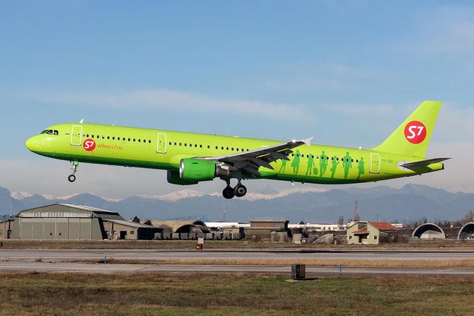 VQ-BQI A321-211 2726 S7 Airlines @ Aeroporto di Verona © Piti Spotter Club Verona