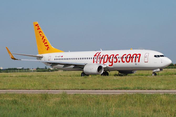 TC-ACP B737-82R 40697/3354 Pegasus Airlines