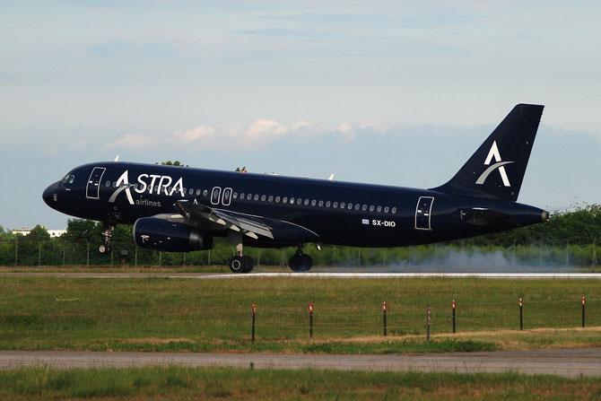 SX-DIO A320-232 527 Astra Airlines @ Aeroporto di Verona © Piti Spotter Club Verona