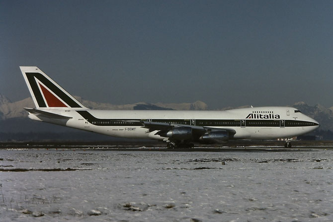 I-DEMT B747-243B 23300/613 Alitalia