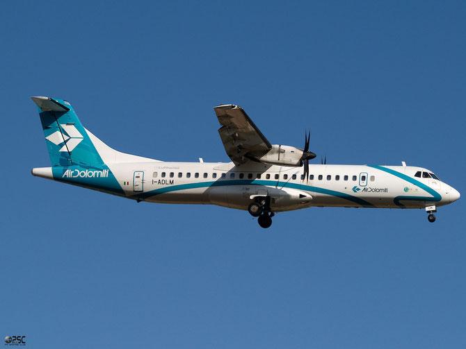 Nel corso del 1998 Air Dolomiti riceve in consegna il suo primo ATR della serie 72-200