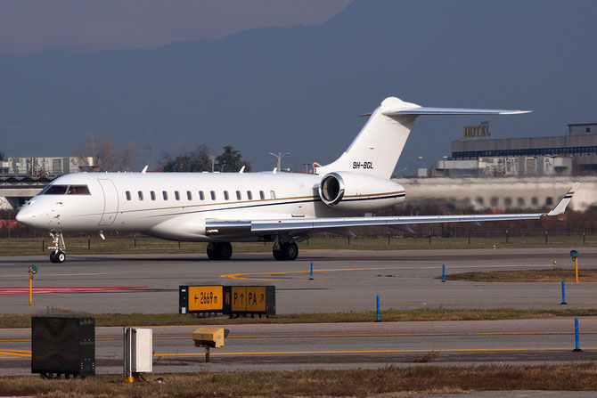 9H-BGL Global Express XRS 9348 Comlux Aviation