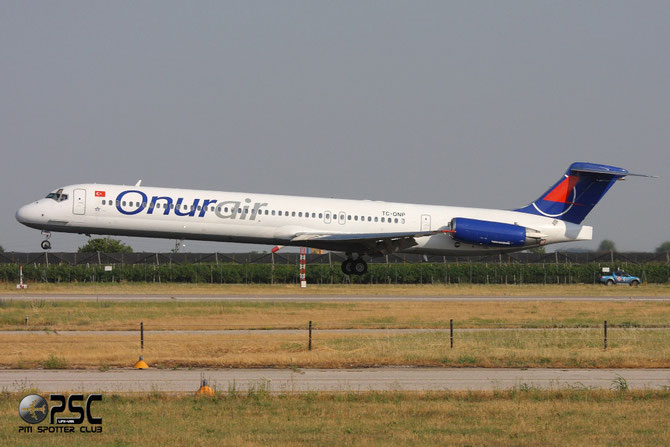 TC-ONP MD-88 53549/2185 Onur Air