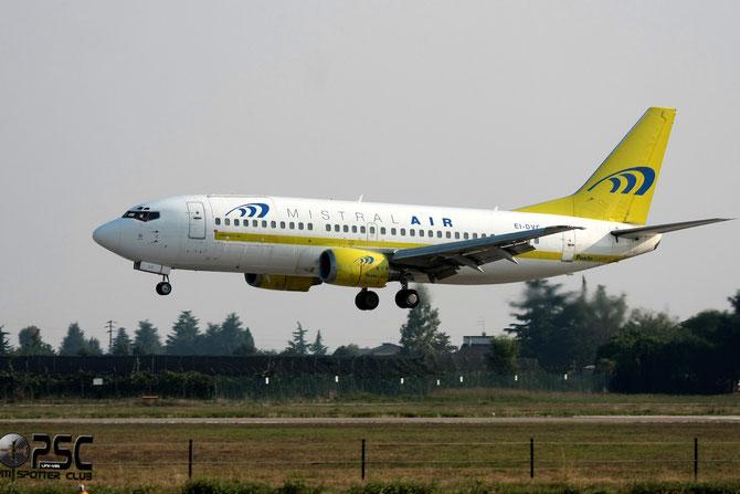 EI-DVC B737-33A(QC) 25426/2172 Mistral Air