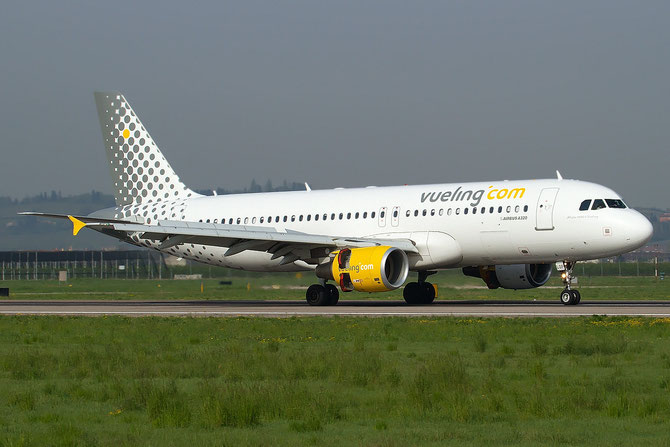 EC-LOP A320-214 4937 Vueling Airlines