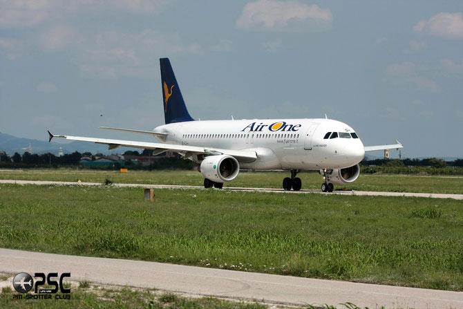 EI-DSH A320-216 3178 Air One
