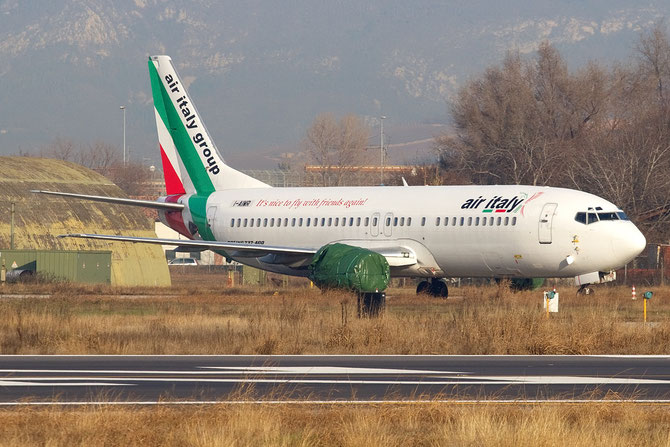 Boeing 737 - MSN 27007 - I-AIMR @ Aeroporto di Verona © Piti Spotter Club Verona