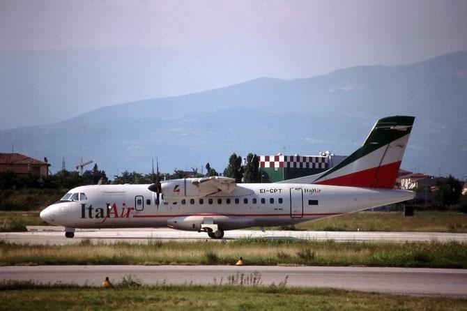 L'ATR 42 di Italair, EI-CPT ATR42-310 191, ripreso a Verona. Uscito di scena nel 2014 in Aer Arann