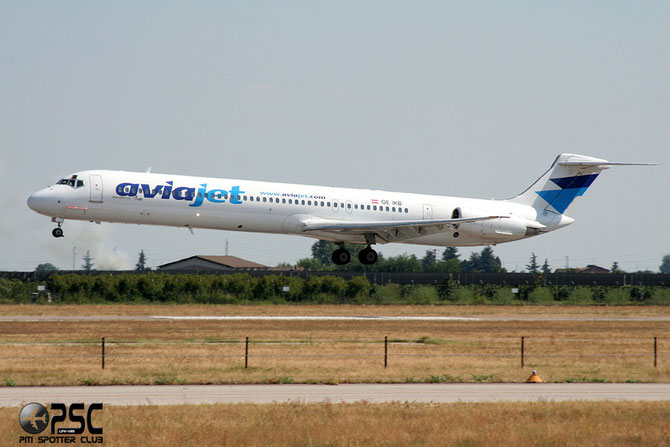 OE-IKB MD-83 49448/1313 Aviajet