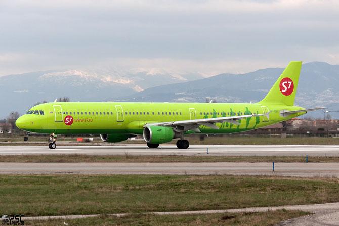 VQ-BQH A321-211 3070 S7 Airlines @ Aeroporto di Verona © Piti Spotter Club Verona