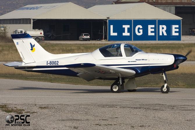 I-8002 - Pioneer 300 Hawk