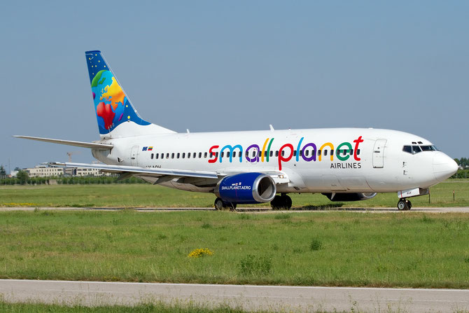 LY-AQV B737-35B 25069/2053 Small Planet Airlines