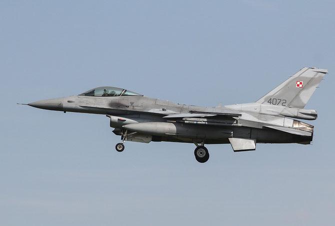 Poland - 4072 F-16C-52CF JC-33 32.BLT (10.elt)