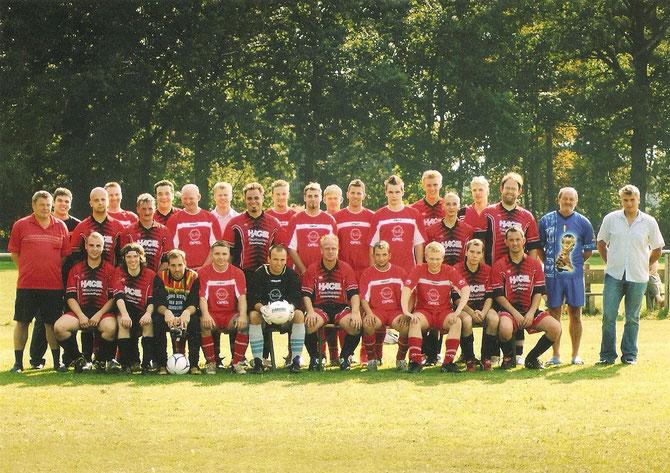 Mannschaftsfoto der ersten und zweiten Herren (September 2006)