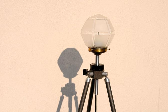 hexagon tripod stehlampe onkel edison lampen design upcycling. Black Bedroom Furniture Sets. Home Design Ideas