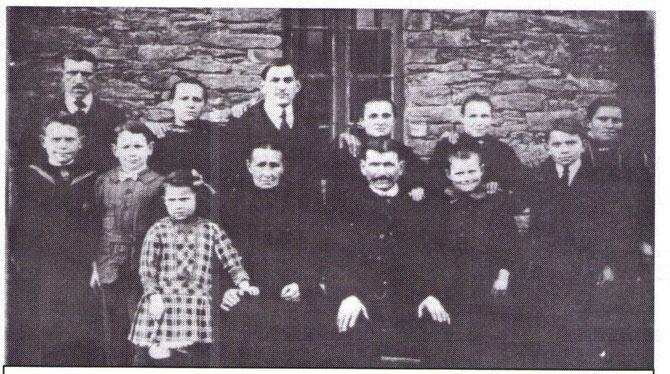Famille Berthelot en 1919 2 enfants sont morts a la guerre Léon et Pierre