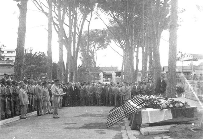 l'hommage militaire rendu à Blida aux 12 militaires morts dans l'embuscade de Chréa
