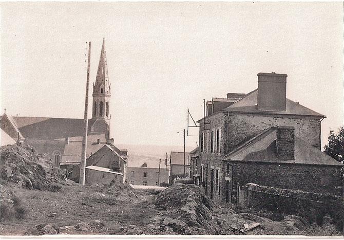 Mairie et Eglise a l'époque de la guerre