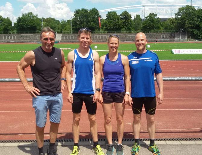 v. li nach re: Trainer Rudi Kränzler, Matthias Koch (TV Weingarten), Karin Straub, Andreas Hund