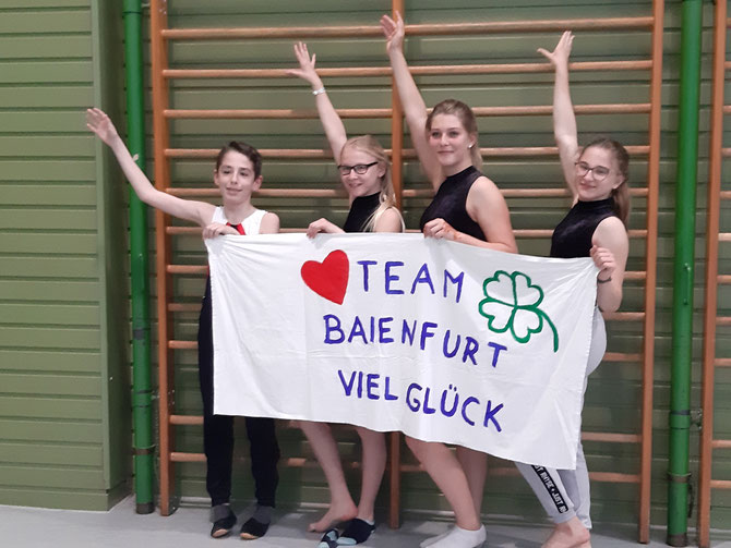 v li nach re vorne: Arian Cani, Lea Streubel, Elisa Rau, Amelie Stoppel