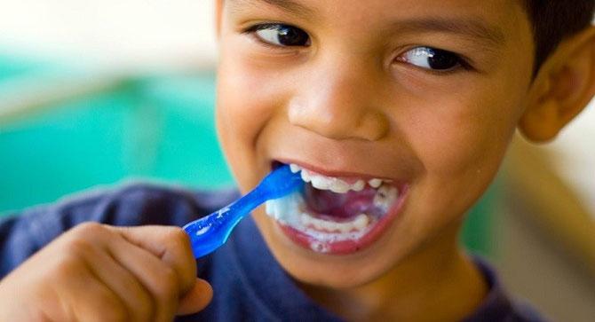 niños y la higiene bucal