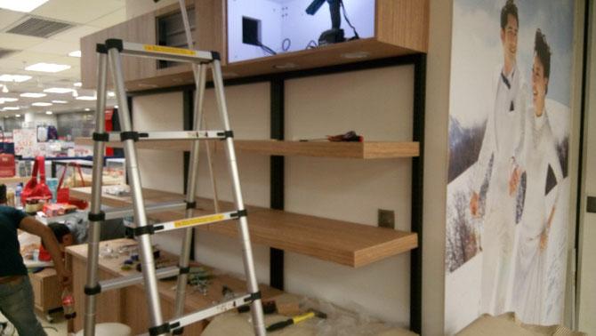 連鎖百貨公司專櫃工程 custom made free standing display units installation @ department store