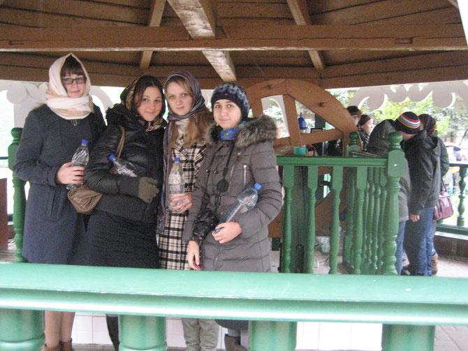 Оля Николаева, Валя Мызина,Полина Малкова, Саша Евтухова. Печоры.2010 год.