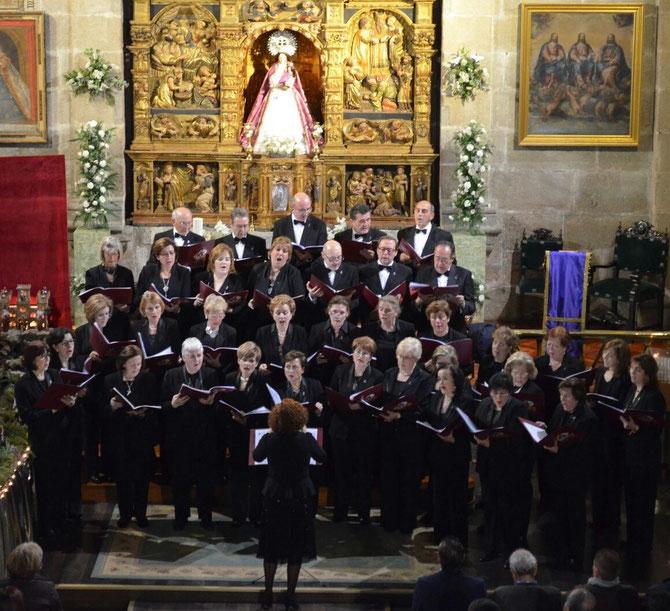 CONCIERTO DE NAVIDAD, Ermita de Nuestra Señora de Las Vacas (Avila) 19-12-2015. Directora Maria de los Angeles de Miguel
