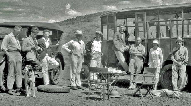 Picnic with General Smuts, Cory extreme right, Johnston two from right with folded arms, Smuts with hand on hip -  photograph by Collingwood Ingram