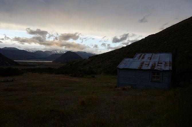 Double Hut und Lake Heron im Abendlicht