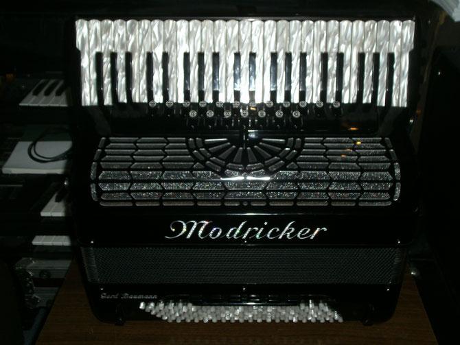 Piano Akkordeon 45 5 120 Cassotto Convertor,Midi,M III,Kinnregister, 19 Diskantregister