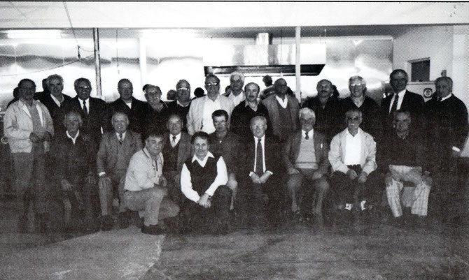 Group photo of past Executive  and Audit Committee Members at Messinian House 29/8/1999