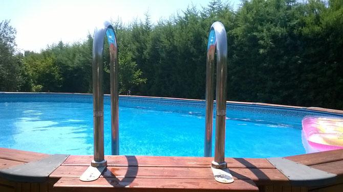 piscina e scalette