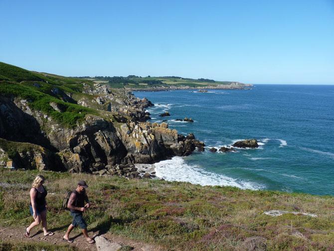 Le sentier côtier GR34 du Grand Site Pointe du Raz en Cap-Sizun