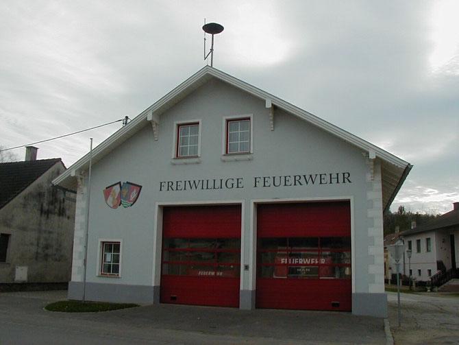 Unser Feuerwehrhaus erbaut in den Jahren 1994-1995