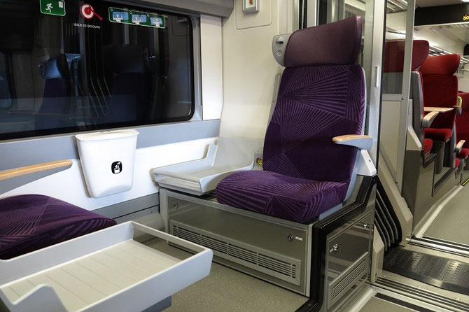 Le surprenant aménagement en quinconce de certains sièges de ppremière classe dans la version intervilles. Cliché Pierre BAZIN