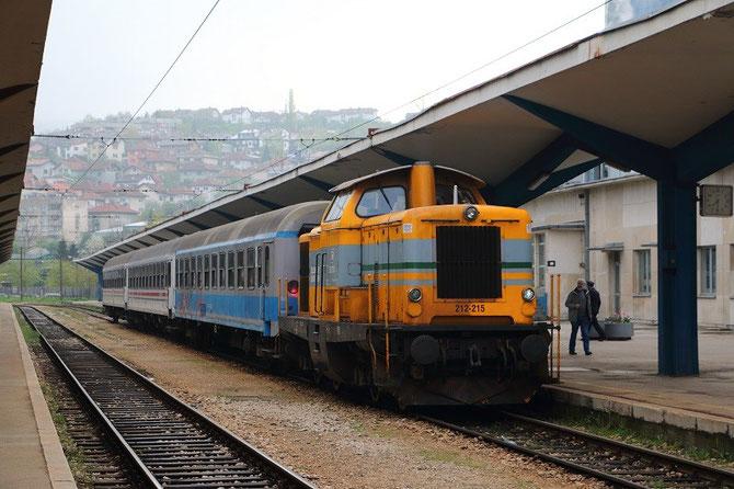 Locomotive ex-DB n° 212-215 en gare de Sarajevo