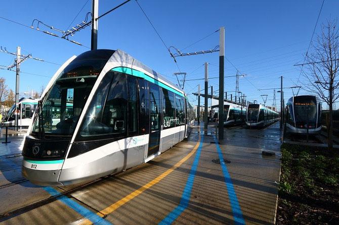 Tramway inaugural T8 au site de maintenance et de remisage de Villetaneuse, le 16 décembre 2014