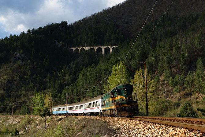 "Spécial PTG ""Rail wonders of Craotia and Bosnia"" 2014 près de Konjic. Locomotive 661-323 ŽFBH"