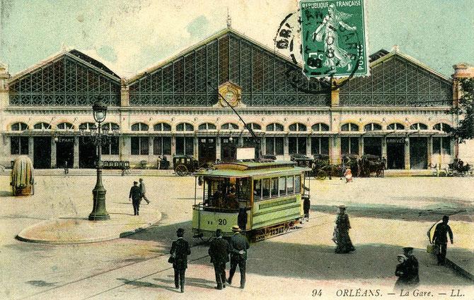 Tramway de la ligne B sur la place de la Gare