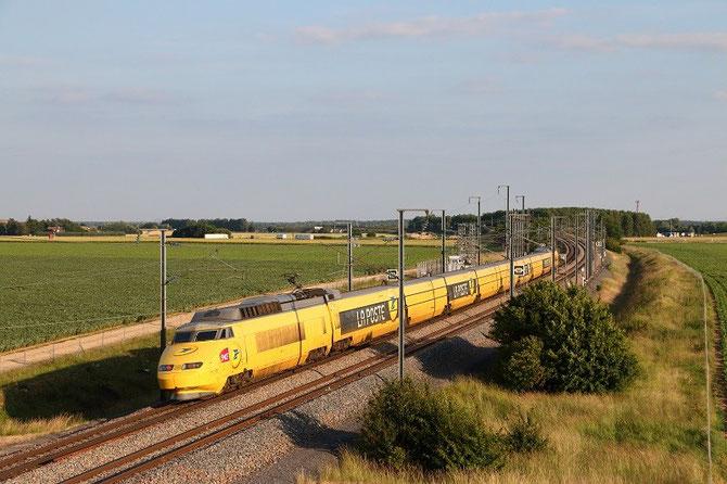 TGV postal à Crisenoy. Rame 951. TGV 6997 Paris - Cavaillon