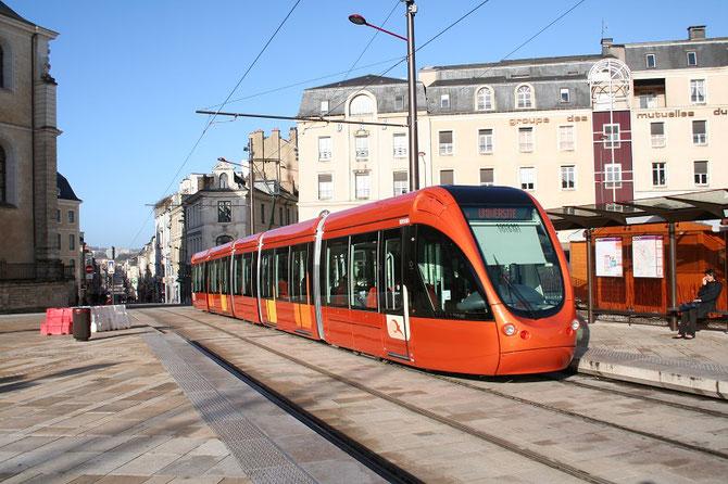 Tramway du Mans, place de la République