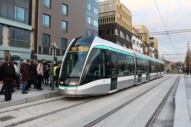 Inauguration T8. Premier tramway commercial vers Villetaneuse-Université, au départ de Saint-Denis-Porte de Paris. 16 décembre 2014