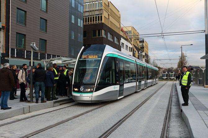 Inauguration T8. Premier tramway commercial vers Epinay-Orgemont à Saint-Denis-Porte de Paris. 16 décembre 2014
