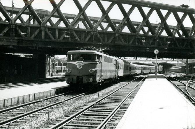 Le 24 juillet 1962, départ du Mistral de Paris-Est, détourné suite à l'accident de Velars-sur-Ouche.