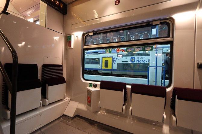 Emplacement voyageurs en fauteuil roulant automotrices Regio 2N Bombardier