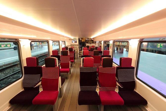 Intérieur automotrice Regio 2N Bombardier, salle basse, aménagement périurbain