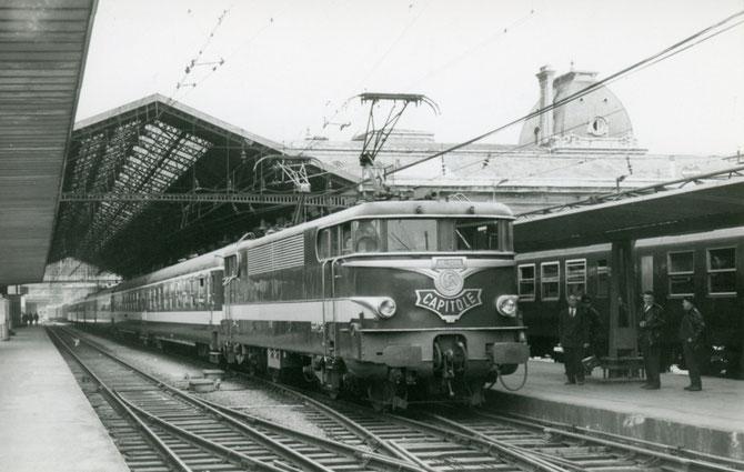 Toulouse-Matabiau. Rapide 1010 Le Capitole. 8 mai 1968. Cliché Jacques Bazin