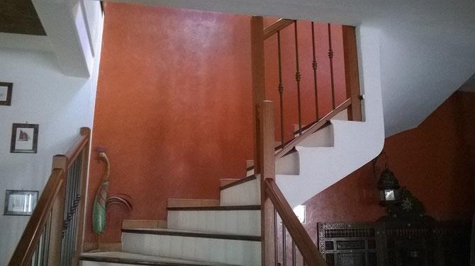 Déco maison, peinture décorative d'une cage d'escalier