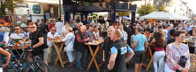 Partymeile, Feiertagslaune, Tradition –die Mixtur eines total relaxten Zöppkesmarktes